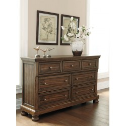 Flynnter - Medium Brown - Dresser